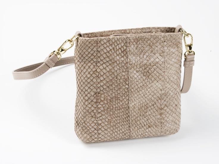 #handbag made of fish leather (salmon) | Design by Huld