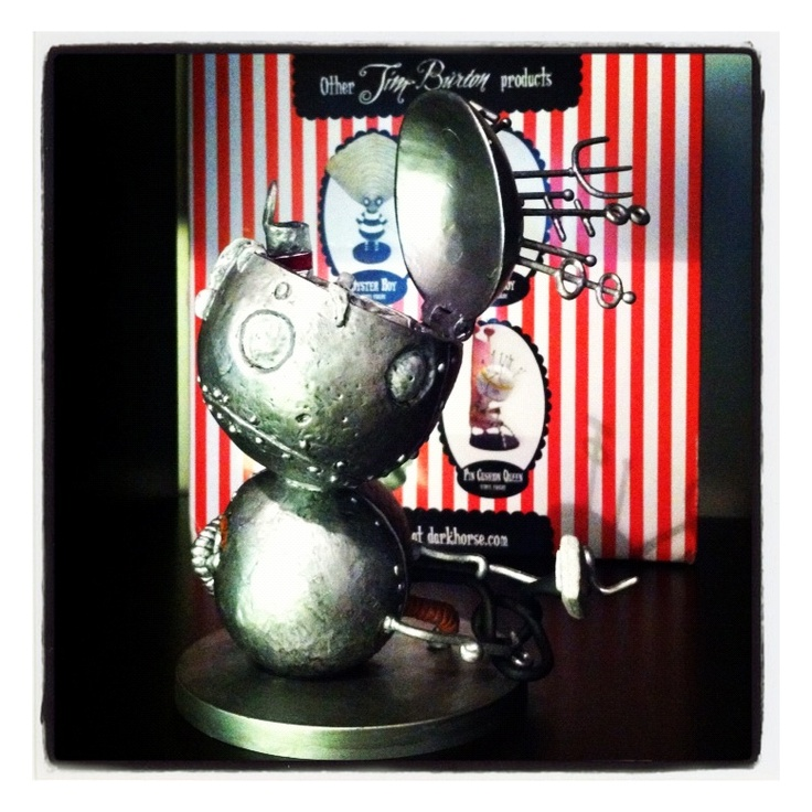 Tim Burton's Tragic Toys - Robot boy