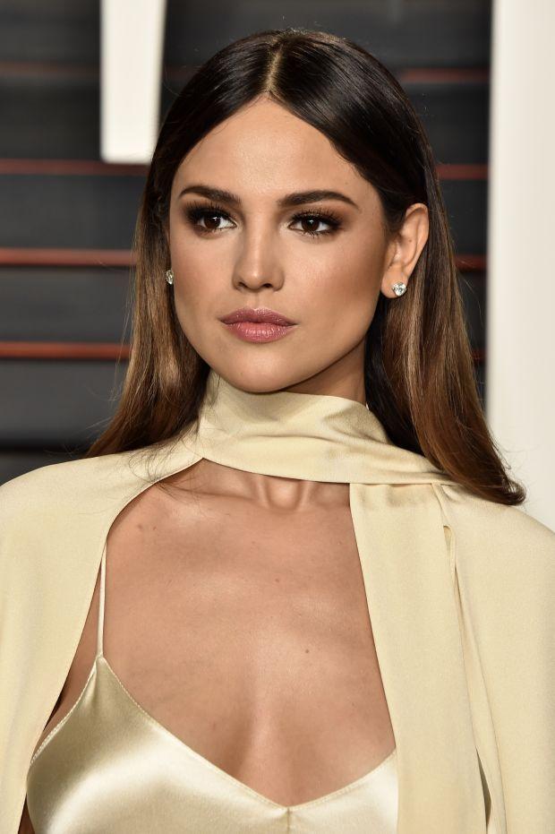 Eiza González at the 2016 Vanity Fair Oscar party. http://beautyeditor.ca/2016/03/05/oscars-after-parties-2016