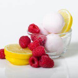 Sorbetto Limonada de Framboesa // Fuel your passion with more recipes at www.pregelrecipes.com