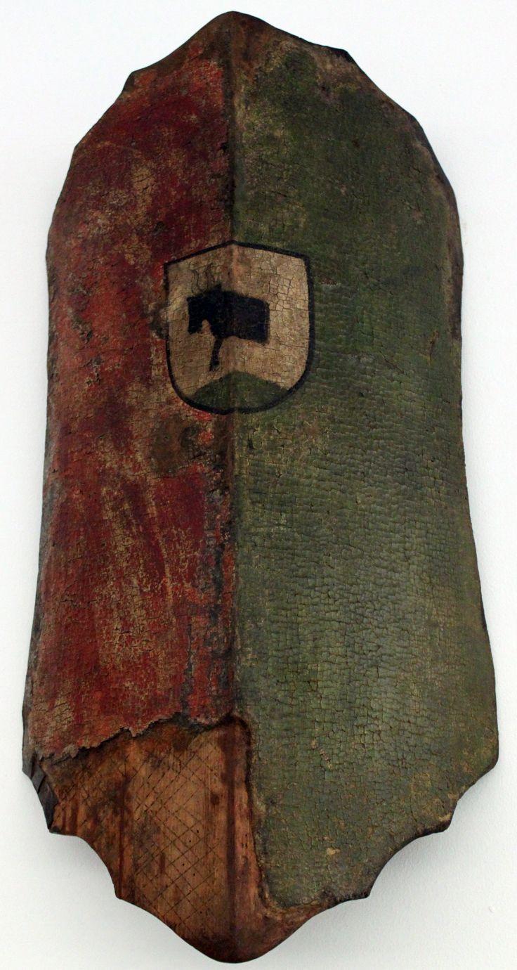 English: Buckler from Ochsenfurt/Main, 1480; Germanic National Museum in Nuremberg Deutsch: Handtartsche aus Ochsenfurt am Main, 1480; Germanisches Nationalmuseum Nürnberg