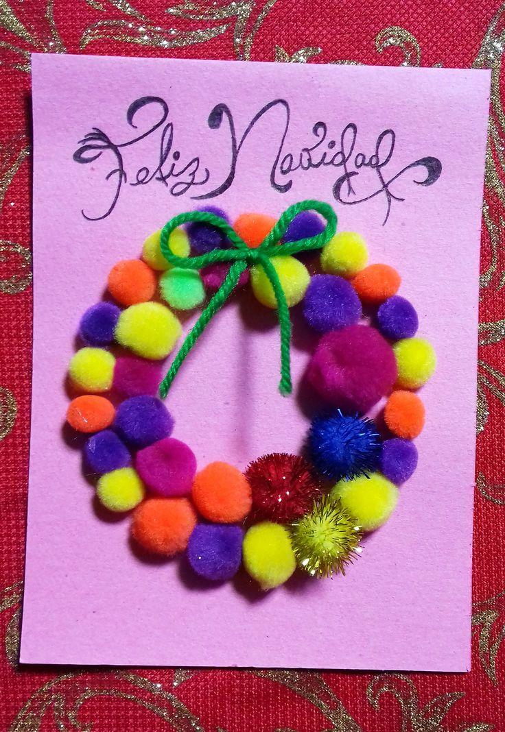 Tarjeta de CORONA elaborada con papel cartulina de color rosa, lana verde, bolillas de colores y con brillos. ¡Rapidita de hacer!!!