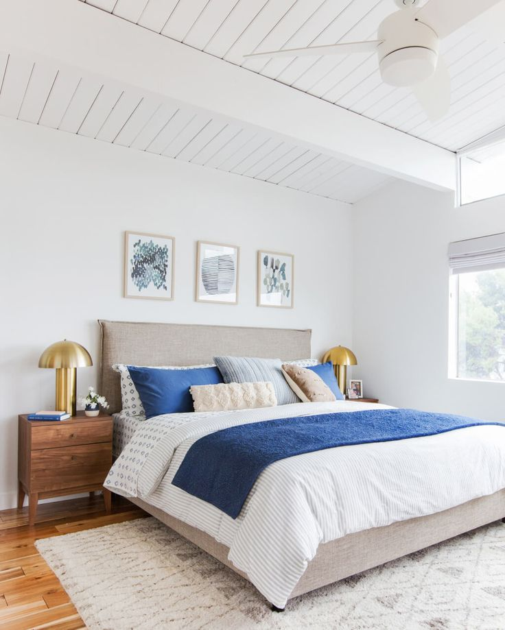 emily-henderson_master-bedroom_target_bedding_layered_light_texture_blue_white_brass_masculine_soft_1