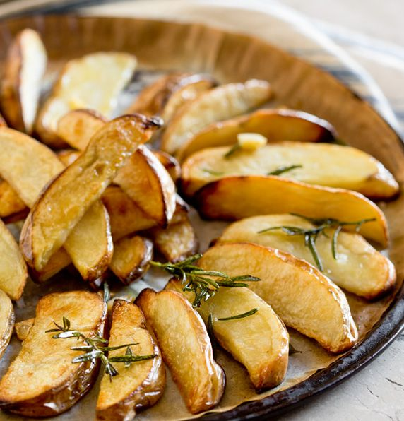 Serve up some #Healthy Skin on #Chips from Fresh Potatoes http://freshpotatoes.com.au/recipes/healthy-skin-on-chips