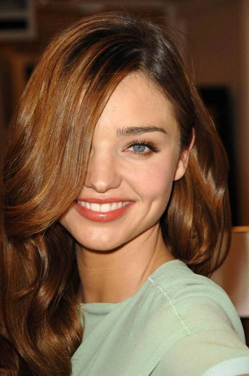 Miranda Kerr...her smile and dimples are adorable!