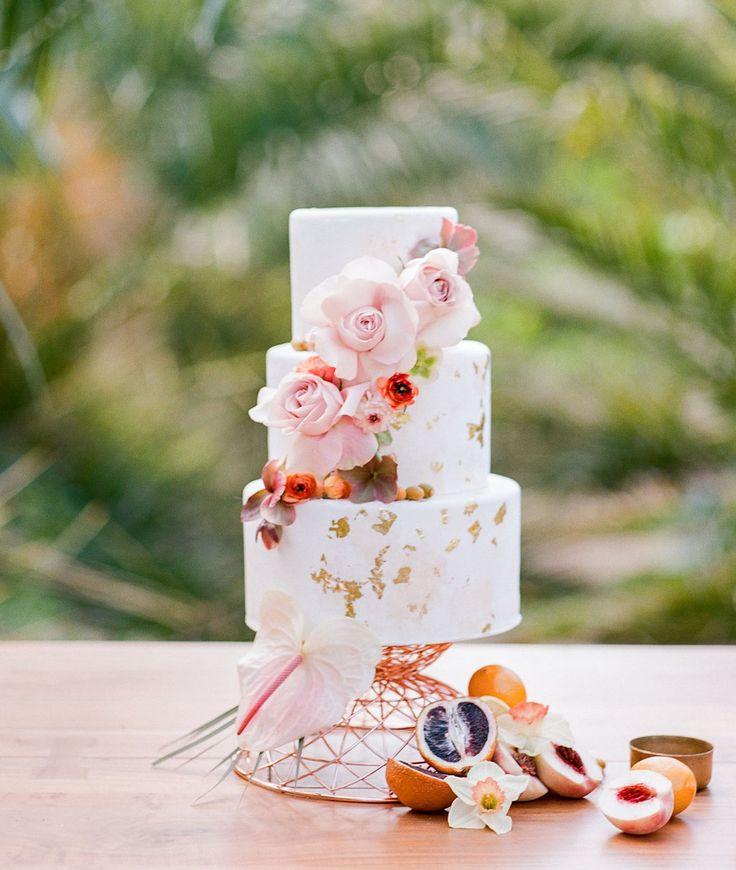 3 teir gold flecked wedding cake