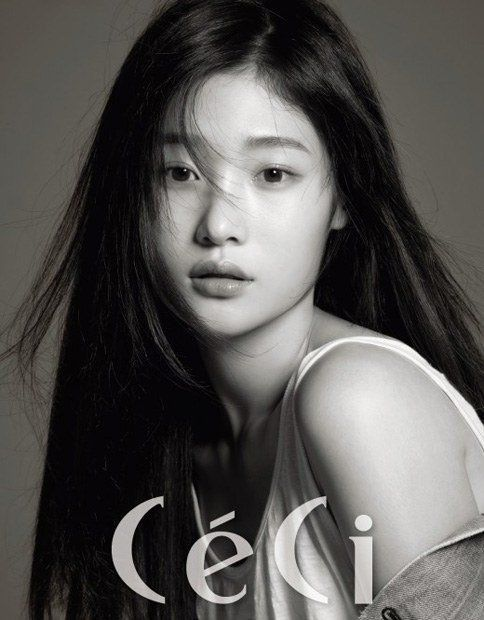 Check Out Jung Chae Yeon's Modeling Talents in Her Newest 'CeCi' Pictorial…