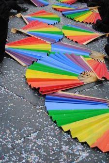 http://www.sassiland.com/public/foto/foto_in_festa/thumb/ventagli_in_liberta.jpg