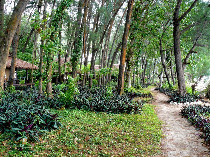 Sidewalk @ Pelangi Island