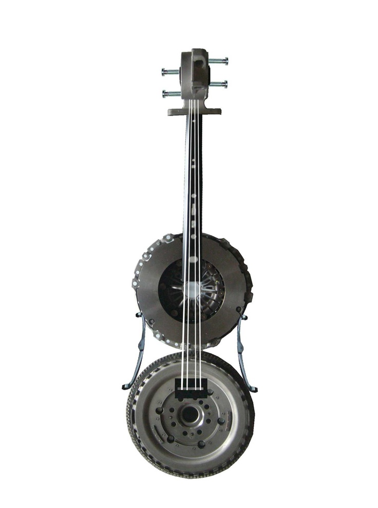 Ford Focus - The Violin ready - made from spare parts