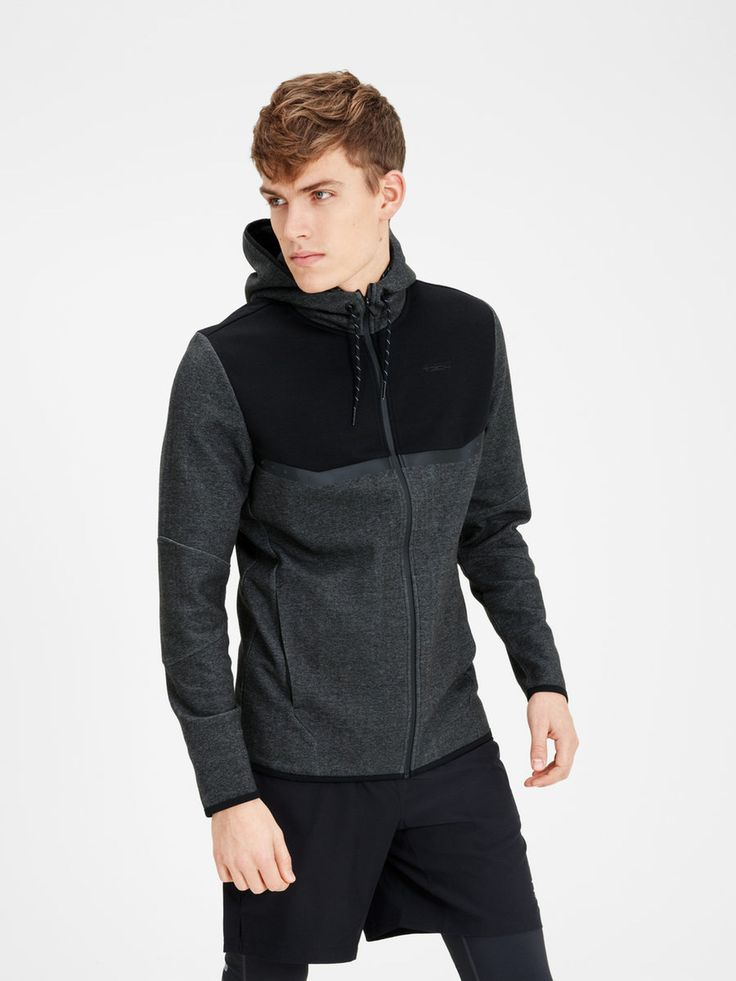 Zipped black and dark grey sweater for training. Perfect for running outdoors or going to the gym   JACK & JONES #sportswear #training #clothes #men