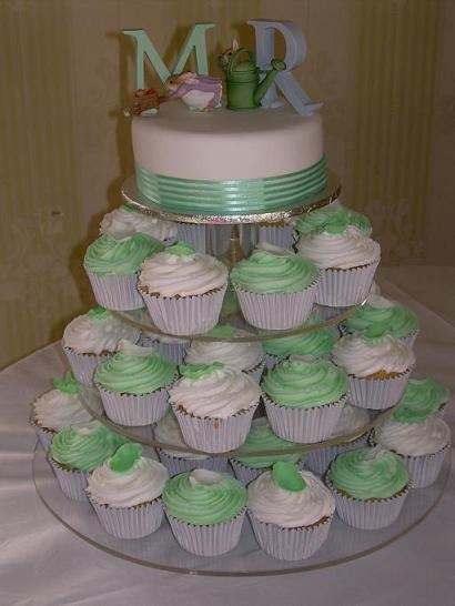 Wedding cupcakes with personalised cutting cake.