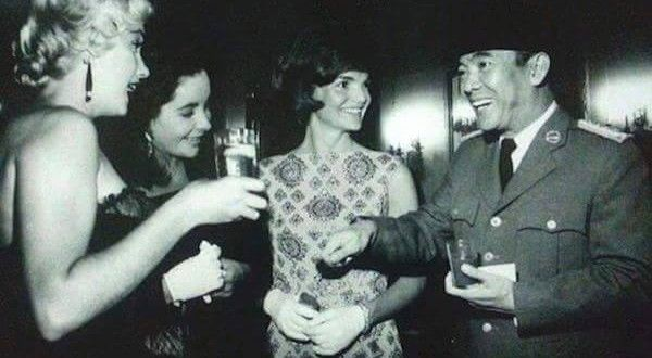 Lima Foto Langka Soekarno Bersama Wanita | UTARAKITA .COM
