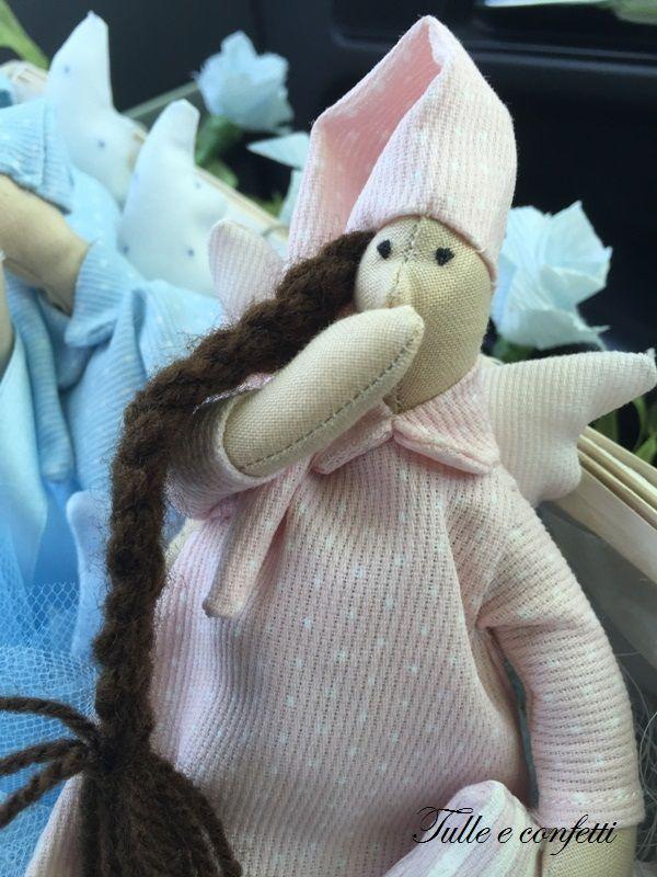 Bomboniere handmade dal mondo Tilda su http://tulleeconfetti.com/