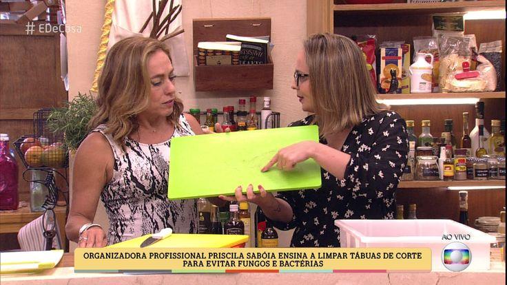 Organizadora profissional Priscila Sabóia ensina a limpar tábuas para evitar fungos e bactérias