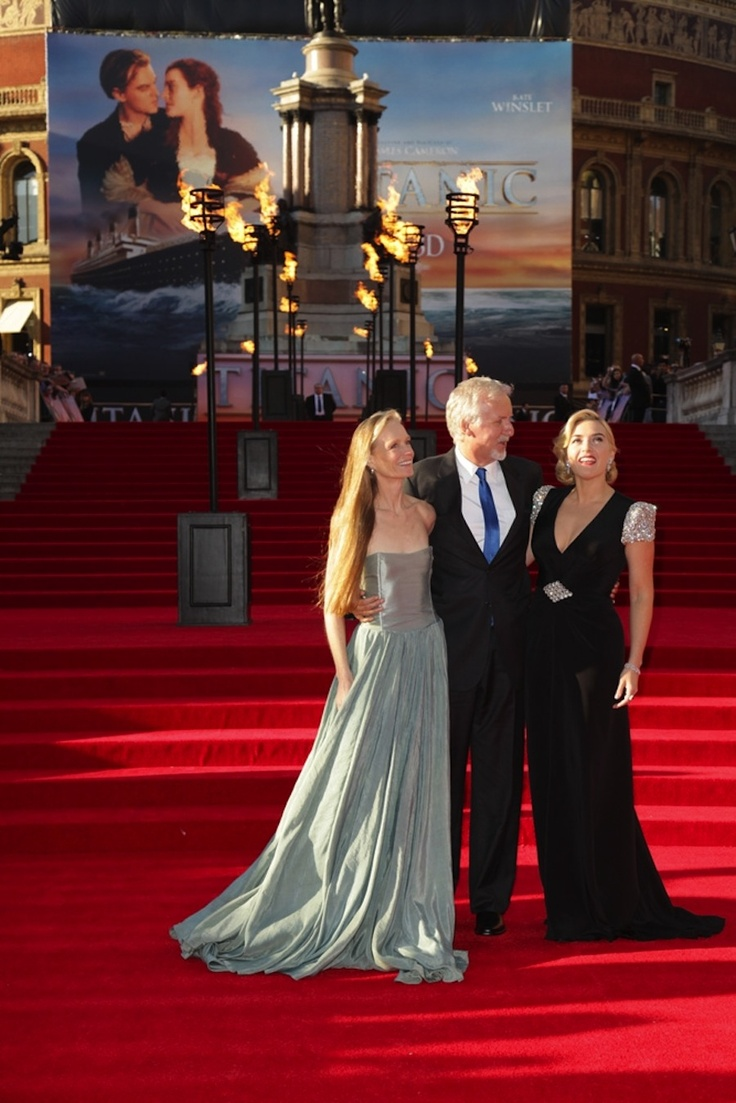 Kate Winslet On The Titanic 3d Red Carpet With James Cameron Titanic Kate Winslet James Cameron