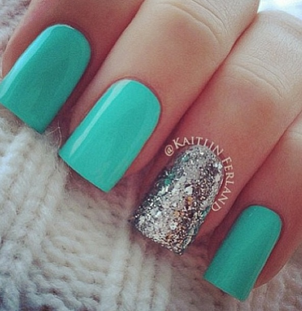 Mint nails for Turks & Caicos