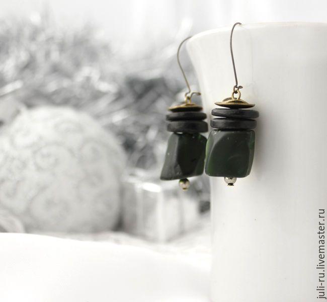 Купить Серьги этно темно-зеленые с кварцем Ирма - авторские украшения, стильное украшение, этностиль