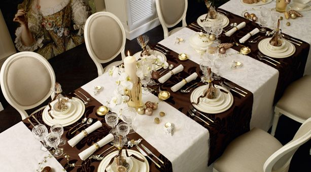 Break the mold—and no, we don't mean the jello mold—this Thanksgiving. Instead of trotting out the same old tired Thanksgiving themes, create a refreshing tableaux with neutral dinnerware accented with shimmering touches of festive gold. One of our favorite patterns right now is Villeroy & Boch's Ivoire. Add your favorite flatware, crystal stemware and fine linens, and voila, a celebration is born. Bon appétit!