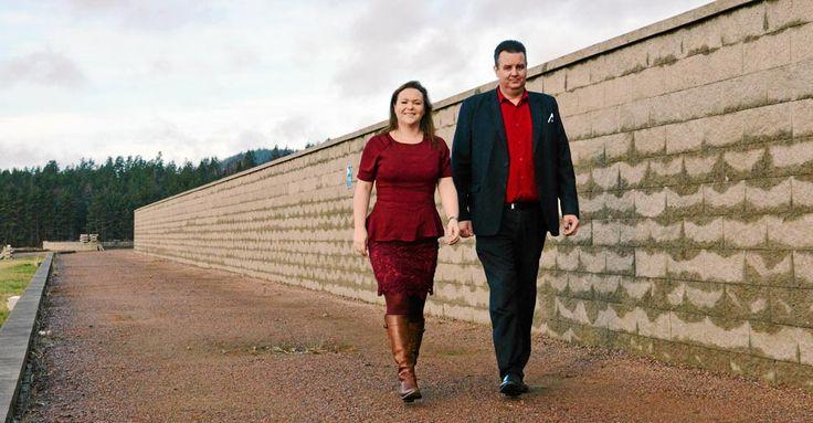 Nytt grepp! Mikael och Anneli Eliasson erbjuder lyxliv bakom muren