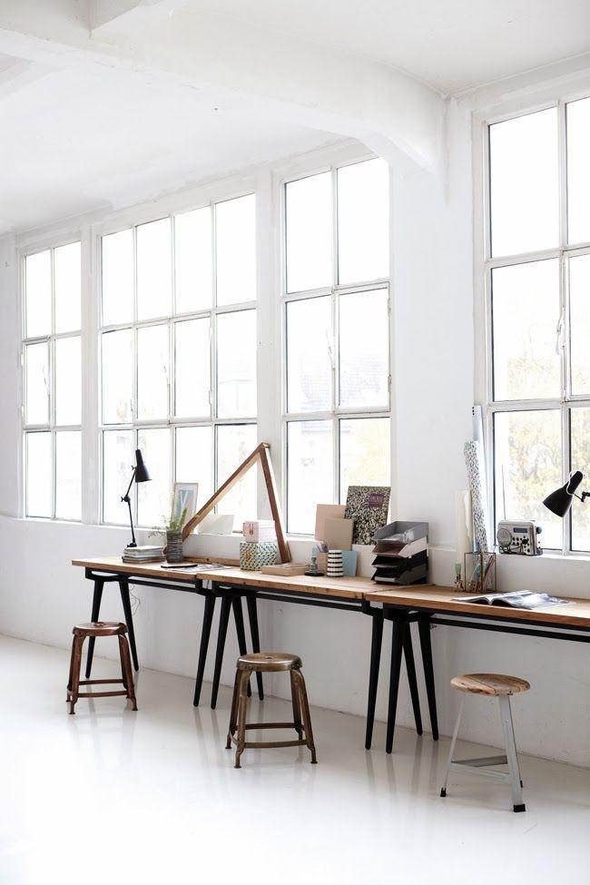 Een werkruimte met alleen een bureau voor het raam. Wedden dat je dan hartstikke productief bent?