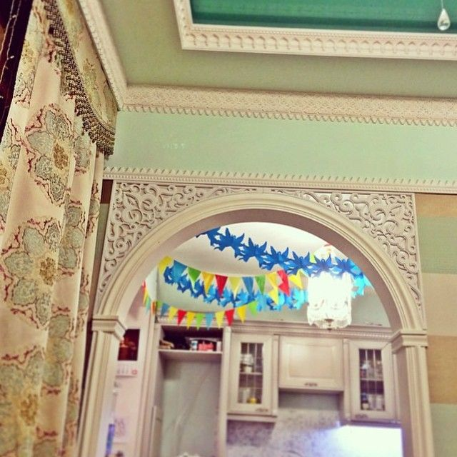 Восточный сказочный дом @doari #якутск #интерьер #воплощение резную арку выполнили @sweet_ykt #design #interior #восточныйинтерьер #дизайн