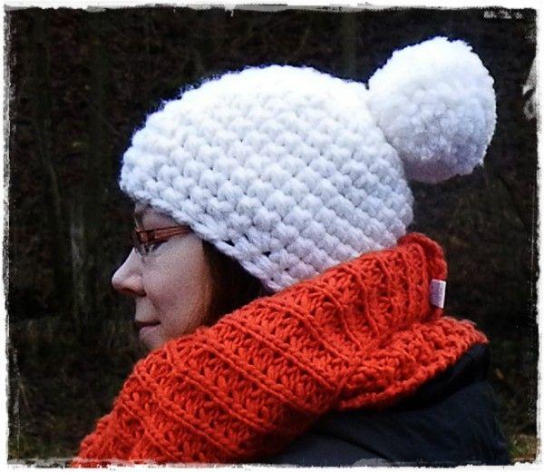Wie ich diese Mütze gehäkelt habe erfahrt ihr auf meinem Blog http://nach-stich-und-faden.blogspot.de/2013/01/anleitung-pudel-mutze-aus-dicker-wolle.html