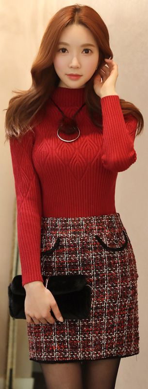 StyleOnme_Black Trim Tweed Mini Skirt #red #falltrend #tweed #skirt #feminine #girlish #koreanfashion #dailylook #kstyle #seoul