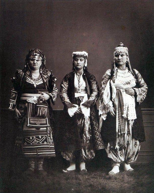 (1. right) Muslim woman from Shkodra; (2. centre) Christian woman from Shkodra; (3. left) peasant woman from the Highlands (source: Les Costumes populaires de la Turquie en 1873, Constantinople 1873.