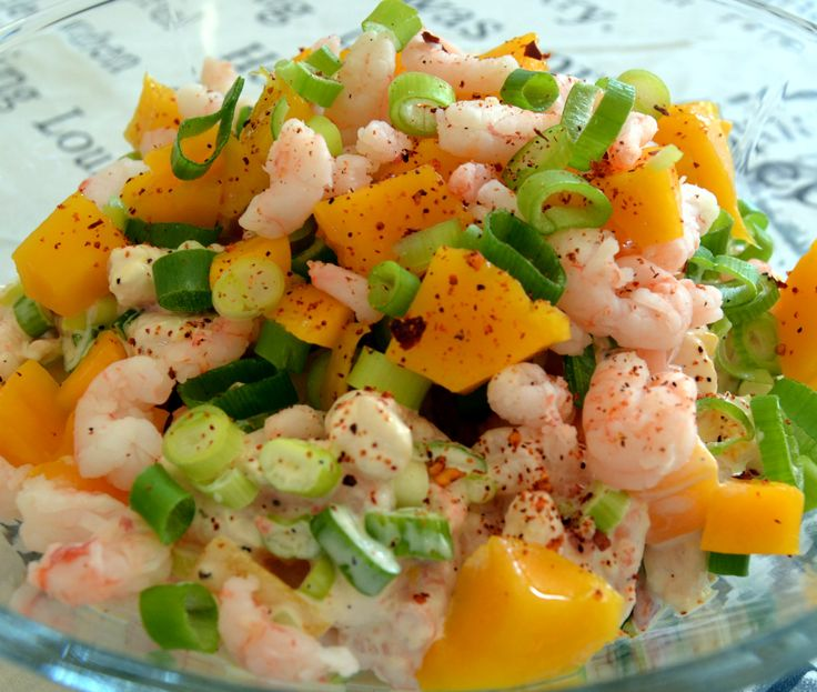 Rejesalat med forårsløg, mango og chili / Shrimp Salad with spring onions, mango and chili