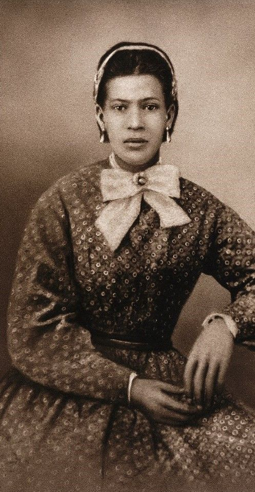 A portrait of Marie Laveau, a Louisiana Creole practitioner of Voodoo renowned in New Orleans. — pinterest.com