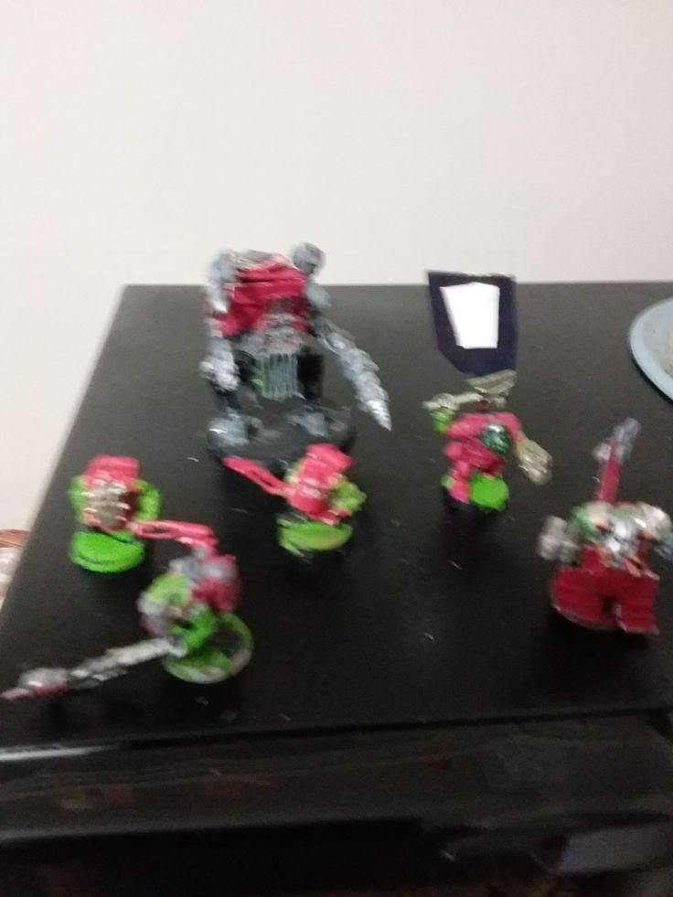 My Orks. 3 buenas,Warboss with waah banner. custom drednought and My own Grazskull.