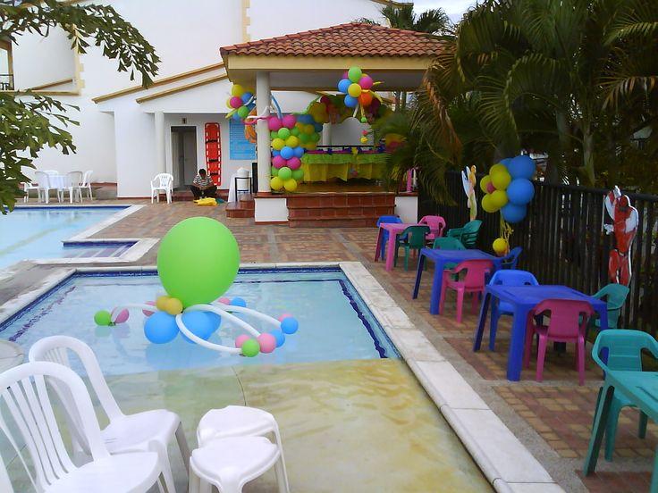 Figuras de globos en piscina cumple sebas pinterest for Ideas para cumpleanos en piscina