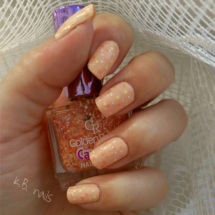 #nails #nailstagram #nailsofinstagram #instanails  A little #easternails  a little #springnails  a little #sunnynails  #misssporty #peeloffbasecoat  #essencecosmetics #essence #loveletters #dearpeach! #goldenrose #goldenrosecosmetics #carnival n.22