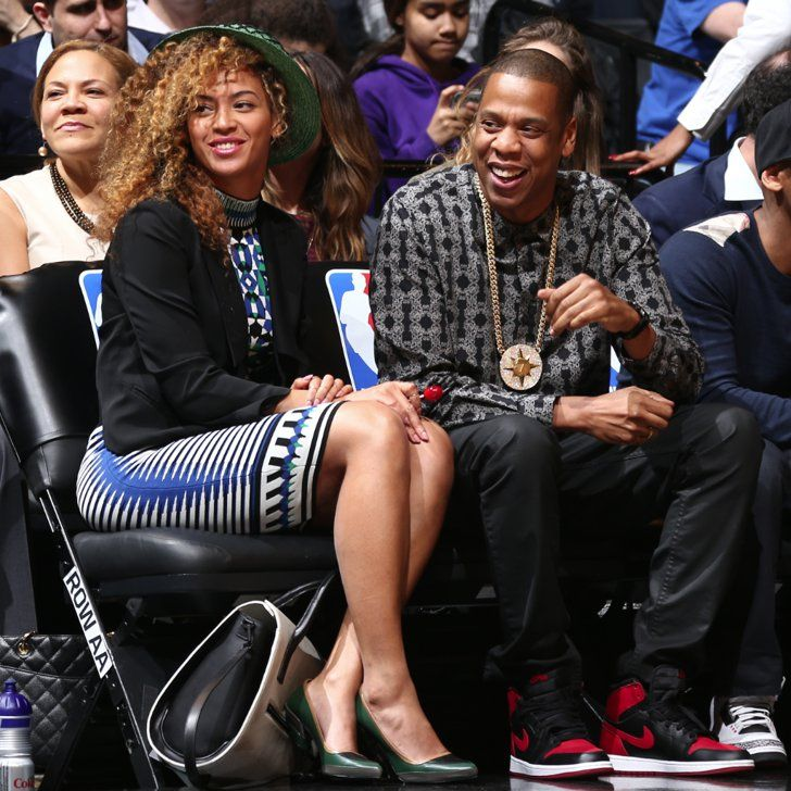 Pin for Later: Beyoncé und Jay Z feuern ihr heimisches Team an
