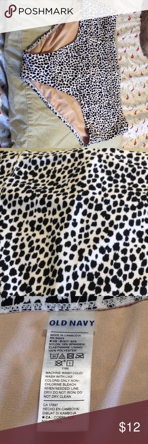 NWT Old Navy high waist bikini bottom NWT Old Navy high waist bikini bottom in cute leopard print! Perfect to mix and match with any color bikini top. Old Navy Swim