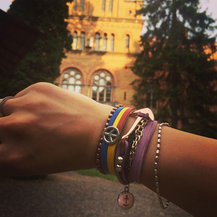 Break Time Nautical friendship between Ukraine and Romania bracelet.