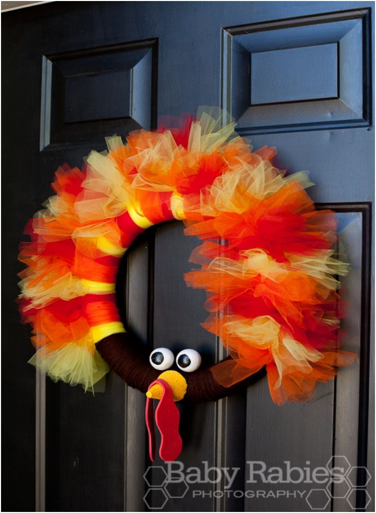 #thanksgiving #turkey #wreath  http://www.topinspired.com/top-10-diy-thanksgiving-wreaths/