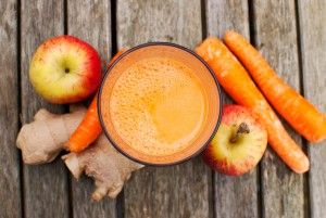 17931470 - healthy juice made of freshly juiced fruits and vegetables