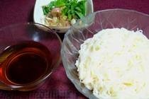 J - ColdSomenPopular Summer, Coldsomen, Somen Thin, Summer Meals, Wheat Noodles, Thin Wheat, Cold Somen, Dips Soup, Chill Somen