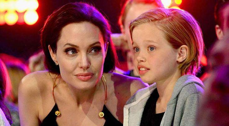 guarda parecido con su madre, Angelina Jolie, y con su padre, Brad Pitt. - zelebtv.es