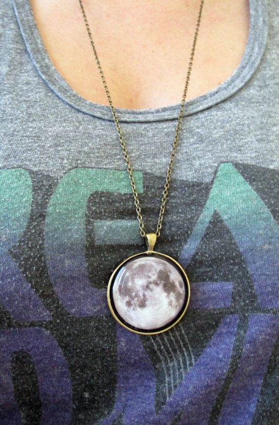 Moon Necklace -- < found when I pinned ... http://www.pinterest.com/pin/507710557966102991/ . >