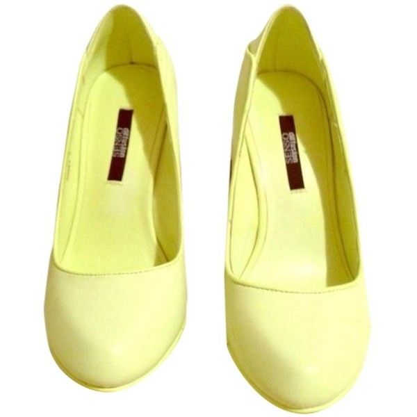 Pre-owned Senso Heels Heels Neon Yellow Yellow Platforms (11.025 RUB) ❤ liked on Polyvore featuring shoes, pumps, none, platform pumps, pre owned shoes, yellow platform shoes, yellow shoes and yellow pumps