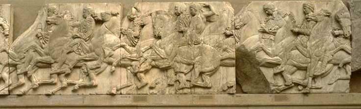 Del av Parthenon frisen. Jonisk fris i marmor, 447-432 f.v.t. Ämnet är den firandet av den procession som ägde rum var fjärde år i Aten, här duktiga ryttare hanterar springare.