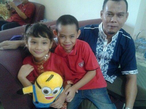 Alma, Adan, dan Mak uncle. Hadeeuh di Padang sebetulnya disebut Mamak, gaya pula uncle2an, xixixi