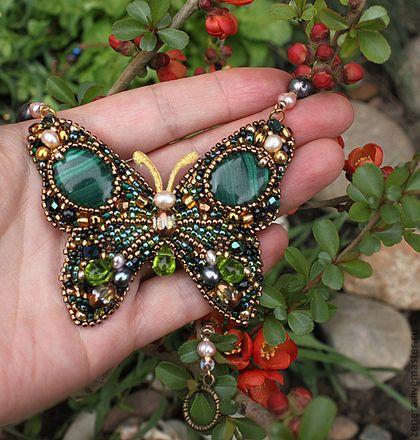 """Колье """"Изумрудная бабочка"""" - изумрудный цвет,тёмно-зелёный,бабочка,колье бабочка"""