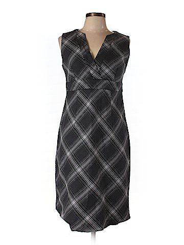 Check it out -- Gap Outlet Casual Dress for $11.99 on thredUP!   Love it? Use this link for $10 off. New customers only.