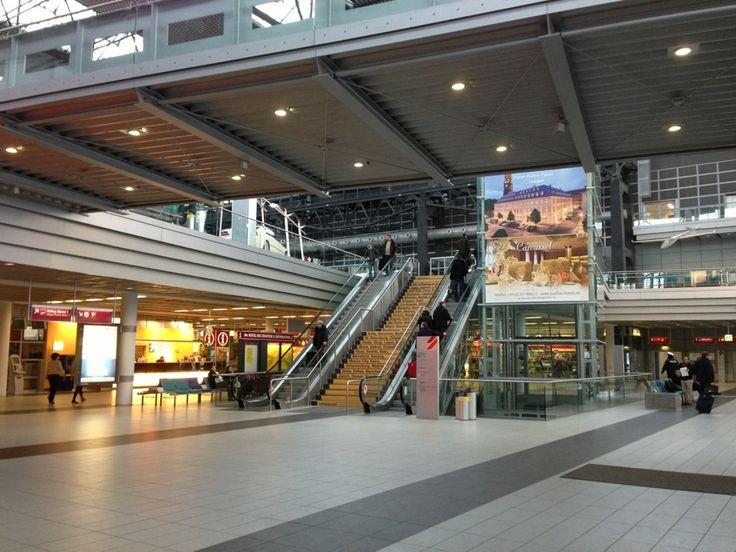 Flughafen Dresden International (DRS) in Dresden, Sachsen