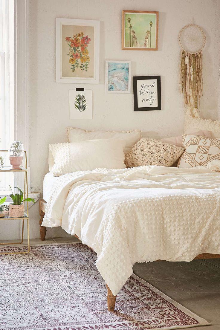 plum bow tufted dot duvet cover - Cream Bedrooms Ideas