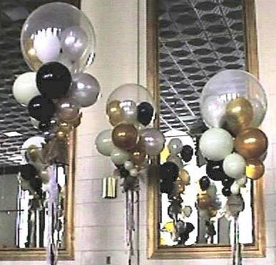 What a fun and pretty way to decorate for a party #POP! culture...Balloon Decor by Design